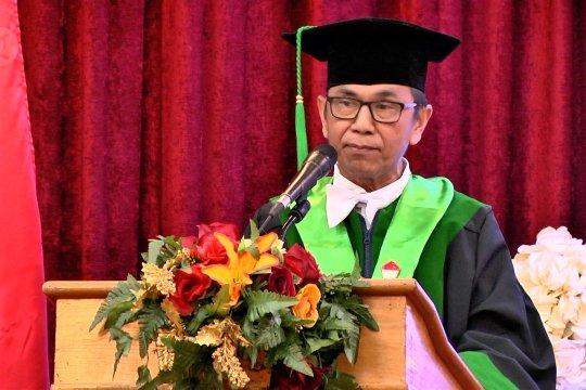 Sandang guru besar, Rajab Ritonga soroti permasalahan wartawan