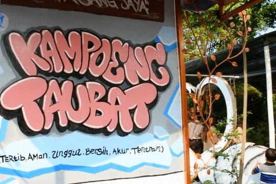 Walikota Arief ajak warga Kampung Taubat terapkan pola hidup sehat