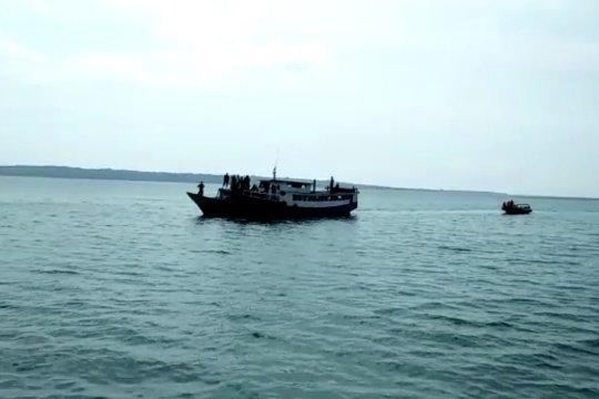 Kapal mati mesin di Perairan Wakatobi, 28 penumpang dievakuasi