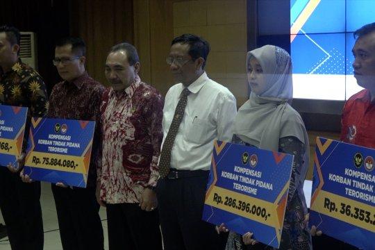 Pemerintah serahkan bantuan untuk 4 korban tindak pidana terorisme