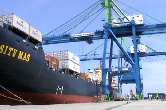 Pengoperasian MNP tahap IA  naikkan trafik kapal dan peti kemas