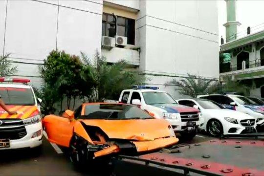 Polisi sita 'offset' satwa dilindungi dari rumah pengemudi Lamborghini