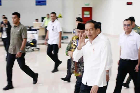 Presiden mengaku kaget dengan Bandara Syamsuddin Noor baru