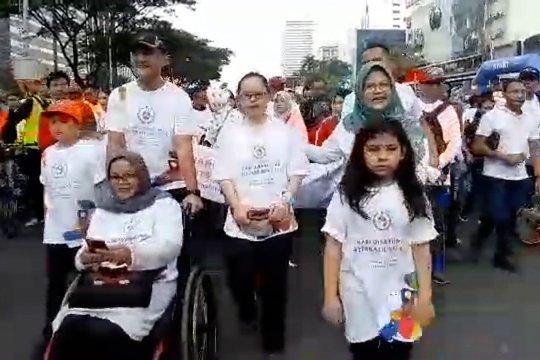 Mensos ajak 1.000 penyandang disabilitas jalan sehat di CFD