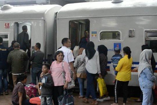 Menhub: tiket kereta api sudah terjual 57%