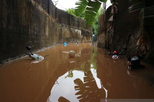 Empat RW di Kelurahan Bangka Jaksel terendam banjir