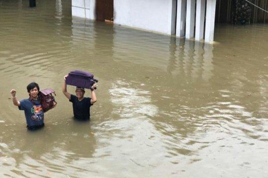 Rumah Rian D'MASIV kebanjiran setinggi dada