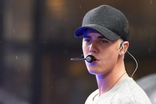 Bersama Selena Gomez, Justin Bieber tampik tuduhan pelecehan seksual