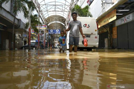 Kemensos data 21 orang meninggal akibat banjir dan longsor