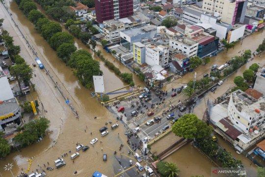 Kemarin korban banjir tambah, Presiden minta semua turun atasi banjir