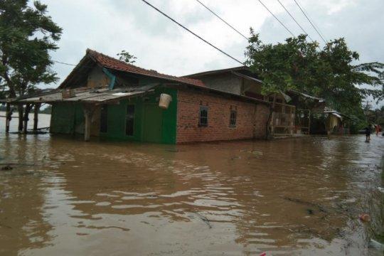Warga Karawang terdampak bencana banjir lebih dari 7.000 jiwa