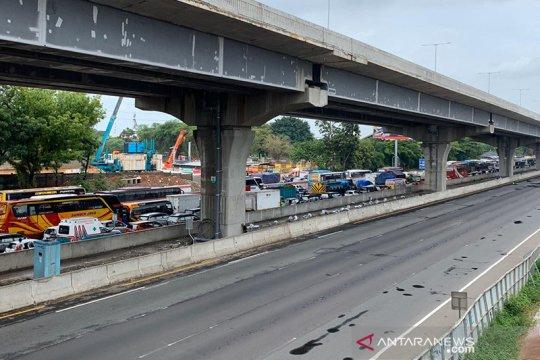 Jasa Marga berlakukan contraflow Tol Cibitung arah Jakarta