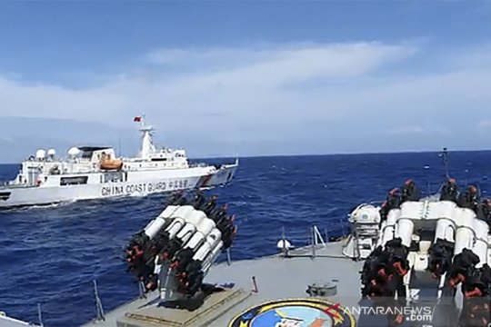 Menlu tegaskan kapal China langgar wilayah ZEE Indonesia