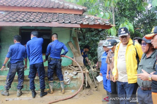 Wabup Serang tinjau lokasi banjir di lima desa
