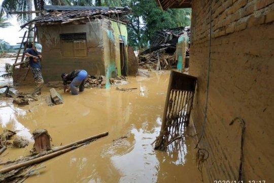 Banjir bandang di Lebak mulai surut