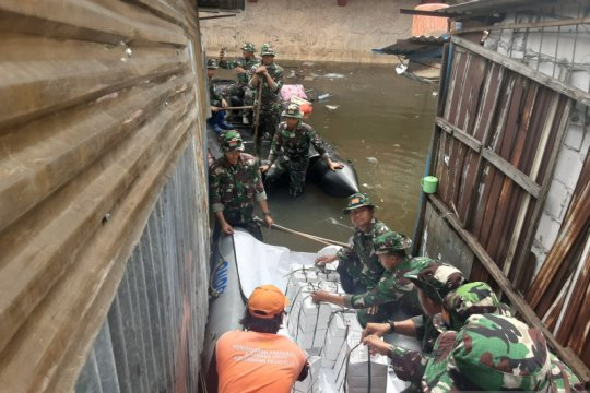 TNI turunkan 2 SSK bantu korban banjir Teluk Gong