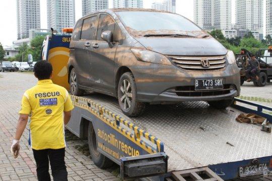 Cara agar klaim mobil kebanjiran diterima asuransi