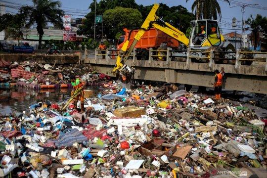DLH DKI Jakarta sediakan 36.000 kantong sampah daur ulang
