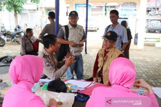 IPB University beri bantuan untuk korban banjir dan longsor di Bogor