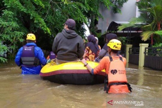 Rumah Zakat siagakan 30 relawan bantu korban banjir Jabodetabek