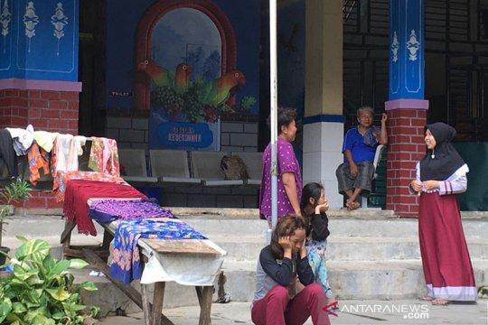 Kisah pengungsi banjir tak sempat selamatkan buku sekolah anak