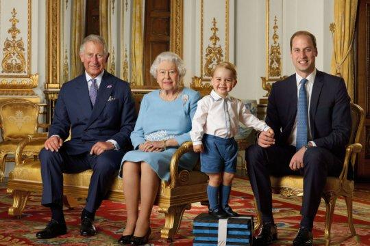 Positif corona, Pangeran Charles kabari Ratu Elizabeth