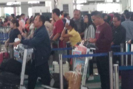 Jumlah  penumpang domestik di Bandara Kualanamu  turun 50 persen