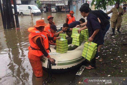 Pupuk Indonesia salurkan bantuan untuk korban banjir di Jakarta Barat