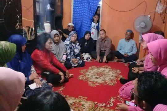 Menteri PPPA datangi rumah anak korban perkosaan di Padang