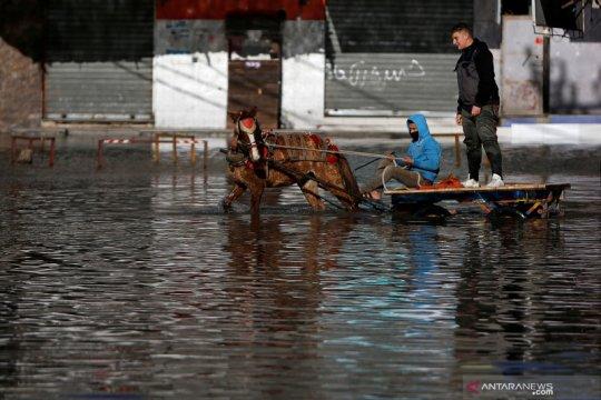Banjir merendam Jalur Gaza