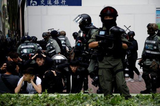 Polisi Hong Kong jinakkan bom pipa serta ringkus 4 pria