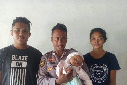 Polisi selamatkan bayi 9 bulan tercebur ke laut di Sabu Raijua