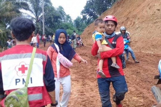Korban banjir di Bogor dapat bantuan PMI