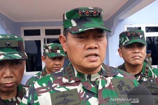 Penyerahan ABK Diamond Princess dilakukan di KRI Semarang