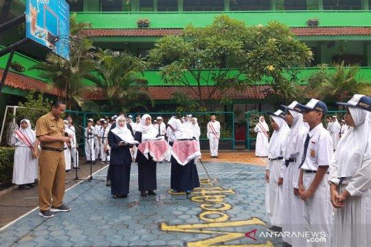 Pimpinan DPRD DKI minta rencana pengoperasian sekolah dikaji dulu