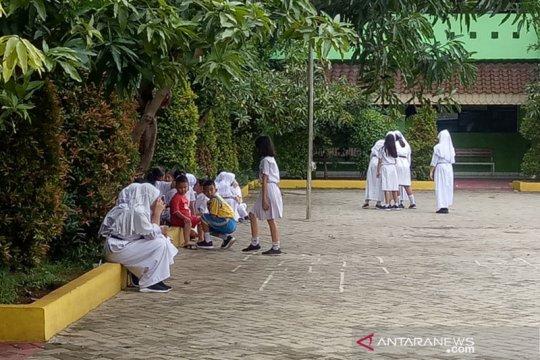 30 persen siswa SDN 01 Benhil tidak masuk sekolah karena banjir