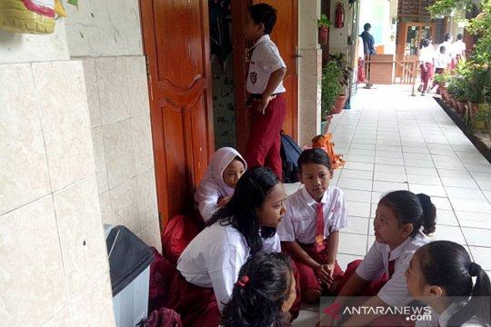 Curhat siswa SD Pasar Baru, cerita banjir hingga teman alami musibah