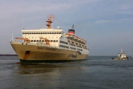 Penumpang kapal Pelni jatuh ke laut saat pelayaran Makassar-Maumere