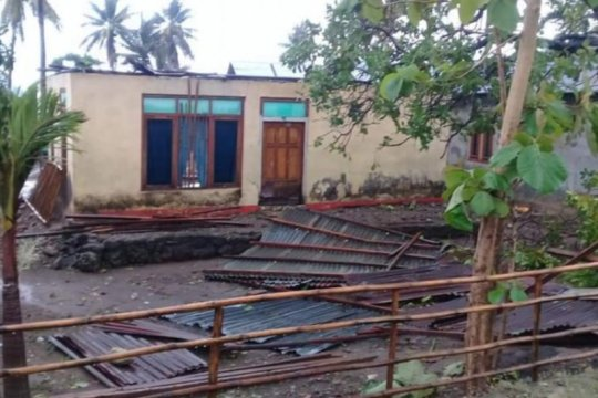 Sembilan rumah rusak akibat puting beliung di Hadakewa Lembata