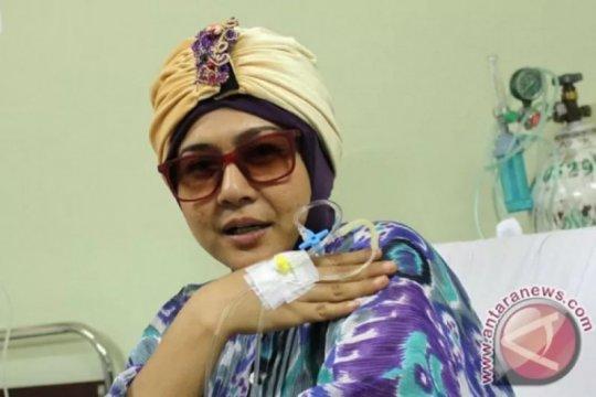 Ria Irawan berpulang, Lukman Sardi dan Atiqah Hasiholan berduka