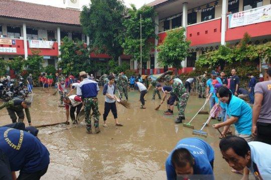 Selama banjir, layanan 112 tangerang terima 3.683 panggilan