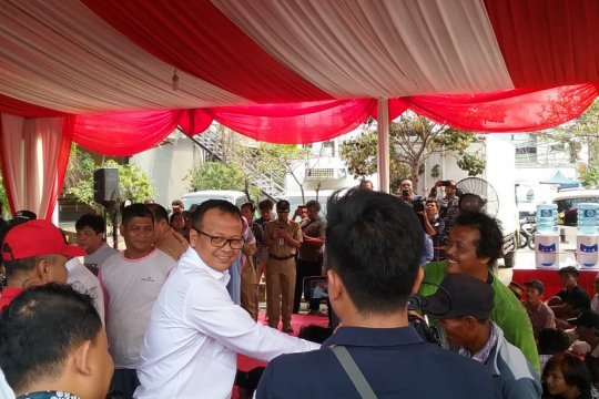 "Menteri Edhy janji bangun ""cold storage"" di Natuna"