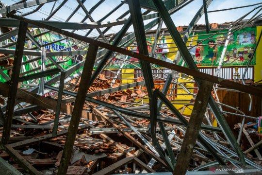 Dinas Pendidikan evaluasi gedung sekolah berkerangka baja ringan