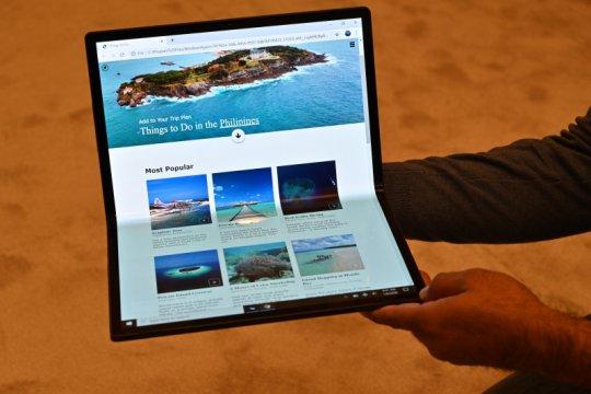 Intel kembangkan laptop lipat layar sentuh tanpa keyboard