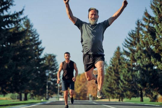 Merasa tua & lelet? Tak ada kata terlambat dalam maraton