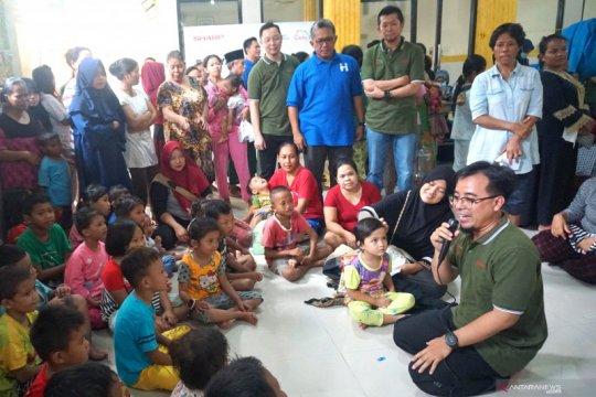 Karyawan Sharp Indonesia lakukan trauma healing untuk korban banjir