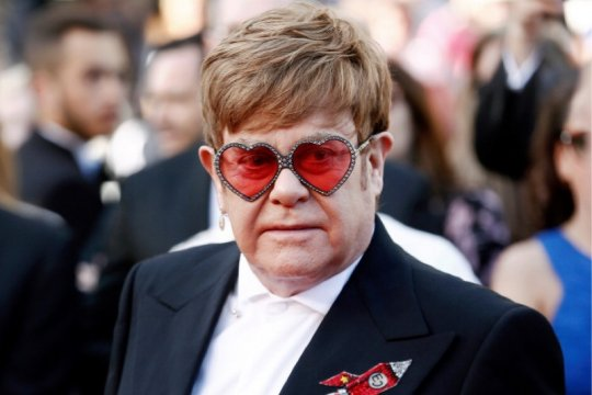 Elton John, Chris Hemsworth sumbang 1 juta dolar AS untuk Australia