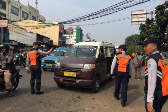 Sudinhub Jaksel alihkan tujuh trayek angkutan umum di Tanjung Barat