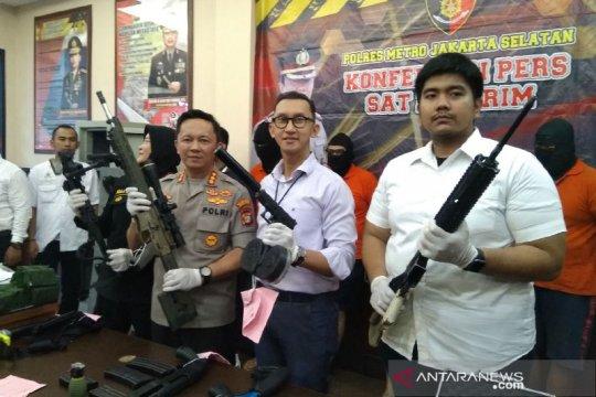 Polisi tangkap tiga penjual senpi kepada pengemudi koboi