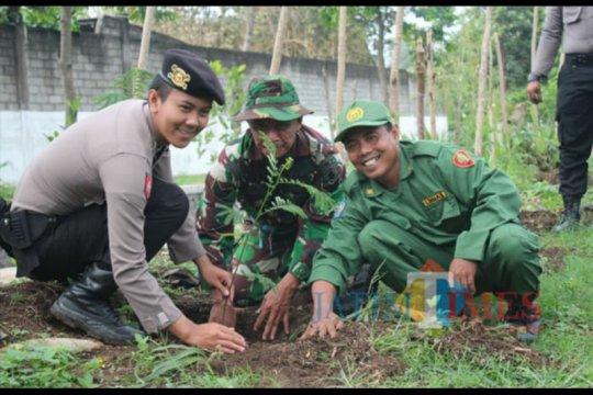 Polri gagas penanaman pohon nasional antisipasi bencana alam